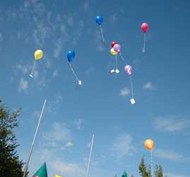 Die DGB-Jugend bietet einen Luftballonwettbewerb in Lehrte an - Foto: JPH/Archiv