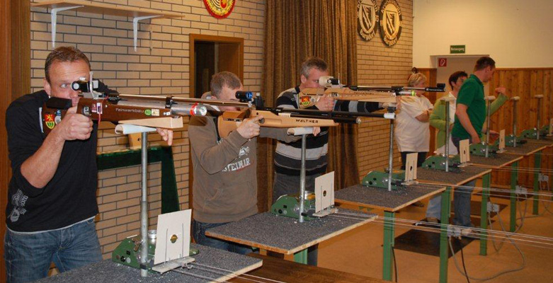 2013 gab es einen neuen Teilnahmerekord beim Mannschaftsschießen - Foto: Detlef Busse/Archiv