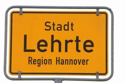Das Bundestags-Infomobil steht in Lehrte - Foto: GAH
