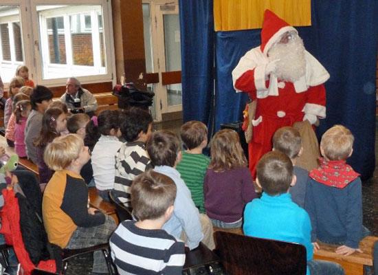 Auch der Nikolaus kommt zu Besuch - Foto: ver.di Lehrte/Archiv