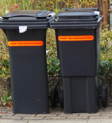 """Um kurzzeitig mehr Müll zu entsorgen kann man einen """"Beistellsack"""" auf den Wertstoffhöfen kaufen - Foto: JPH"""
