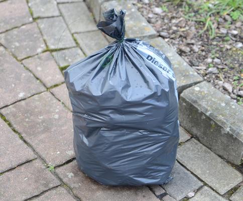 Bis August sind die 2016er Säcke noch vor Ort erhältlich - Foto: JPH