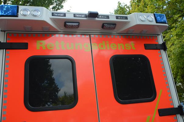 Der RTW brachte die Jugendliche ins Krankenhaus - Foto: JPH