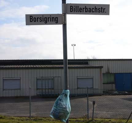 """Manchmal wird Müll einfach """"aufgehängt"""" für andere - Foto: JPH"""