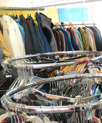 Nicht mehr passende Kleidung kann an anderer Stelle viel helfen - Foto: JPH/Archiv