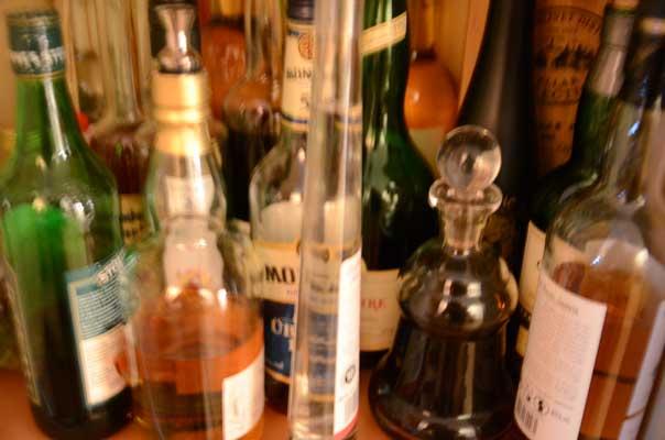 Zwei Whiskyflaschen bleiben verschollen - Foto: JPH