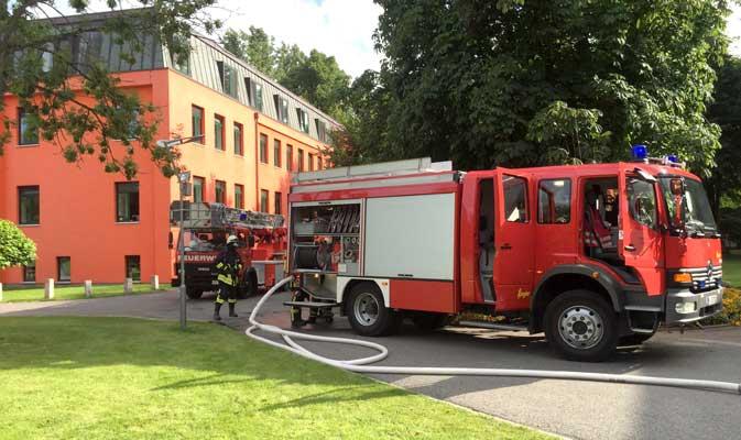 Mit großem Aufgebot war die Feuerwehr nach Köthenwald angerückt - Foto: Stadtfeuerwehr Sehnde