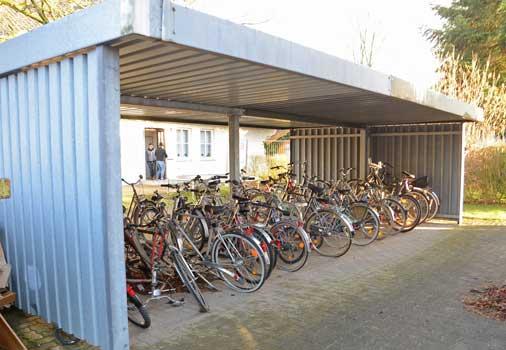 Leider muss ein Teil der Fahrräder nun außerhalb aufbewahrt werden - Foto: JPH