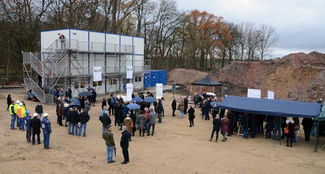 Das Gelände ist schon für den Bau vorbereitet - Foto: JPH